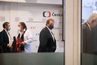Šachisté i žena, která se soudila sČT. To je nová dozorčí komise televizních radních