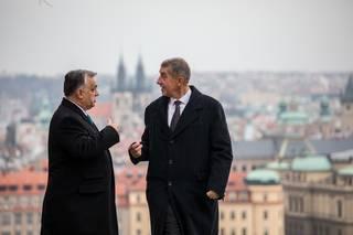 Dejte a neptejte se. Český premiér upozorňuje na to nejhorší z Visegrádu