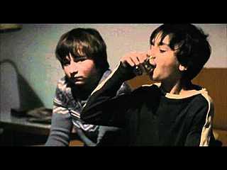 Příliš mladá noc (2012) - český HD trailer