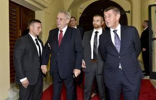 Co chce Zeman po Babišovi za Kosovo