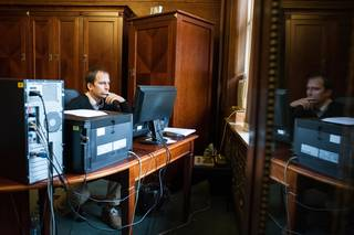 Jan Cižinský ve své kanceláři.
