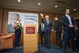 Miloš Zeman vítězí v prezidentských volbách