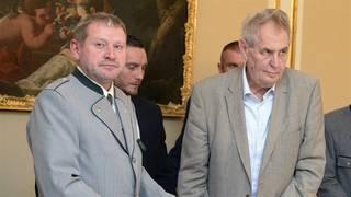 Obžaloba: Čtvrtmiliardovou zakázku Hradu manipuloval Balák za dohledu Mynářových advokátů