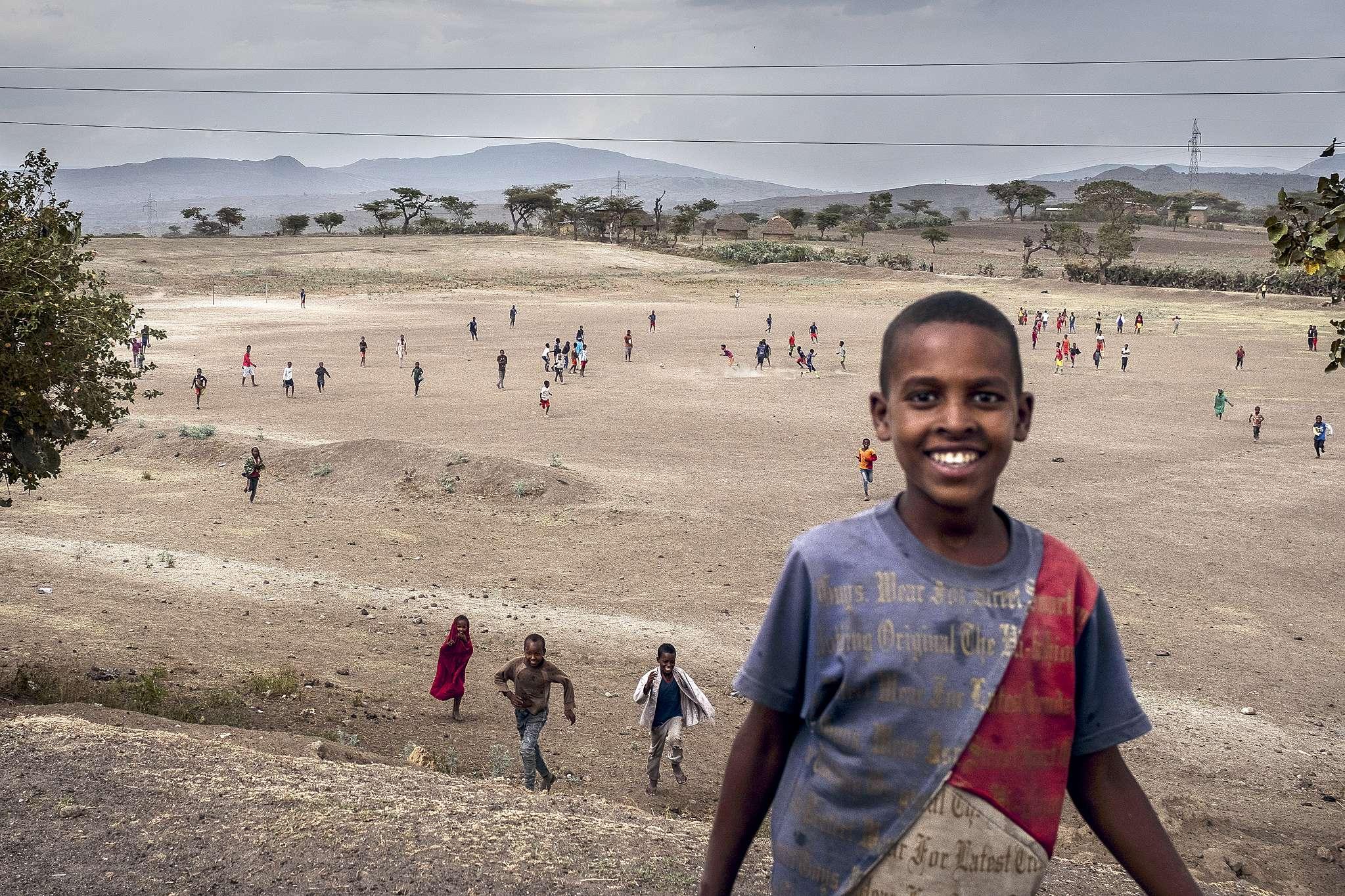 Erik Tabery sTomášem Lindnerem otom, jak vzniká reportáž Respektu zAfriky