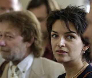 Manželka Vladimíra Mlynáře z PPF skončila u předsedy Senátu