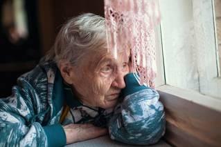 Ochrana seniorů, nebo čekárna na smrt?