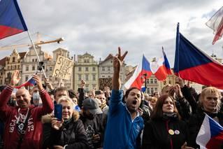 Politolog: Za násilí mohou hooligans, ale něco se tu rodí